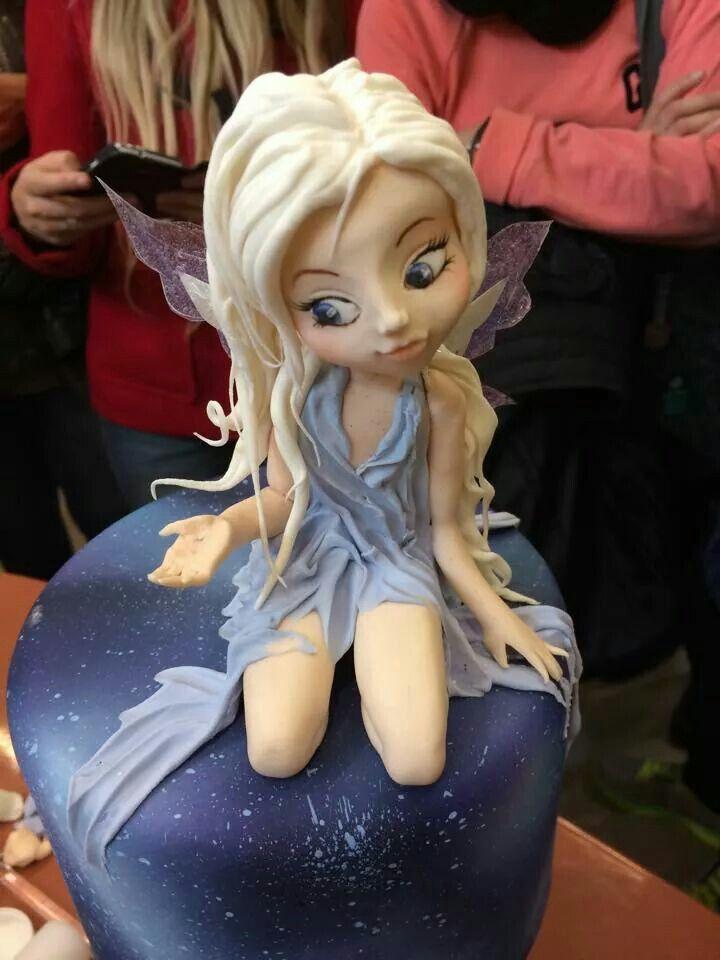J...Absolutely beautiful cake!!!!