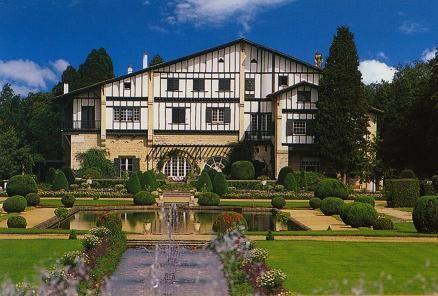 Musée Edmond Rostand (Villa Arnaga) - Guide - Fédération des Maisons d'écrivains et des patrimoines littéraires