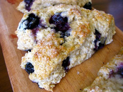 Whole Wheat Blueberry Scones | Clean & Delicious with Dani Spies Definitely making these bad boys...with almond milk and light vegan butter