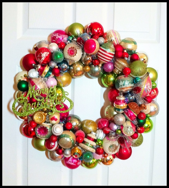 how to make a wreath with glass balls