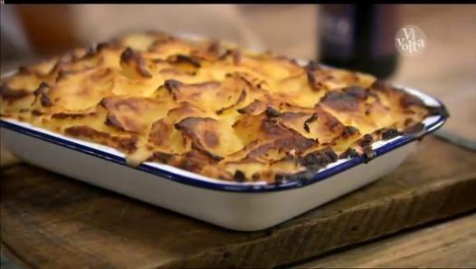 Regarder la vidéo «Vivolta - Les recettes extraordinaires des Frères Herbert (Episode 5 la cuisine bon marché) - 25-04-2014 15h04 30m (7464)» envoyée par HADRA BOUZID sur dailymotion.