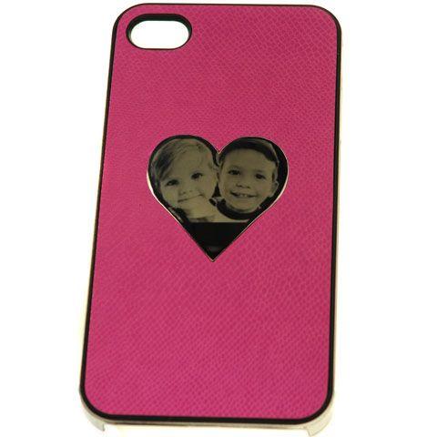 Carcasa iPhone 4 / 4S (roz) cu inimioara din inox pentru gravura. Dimensiune inimioara din inox: 35x35mm. Dimensiuni carcasa iPhone 4 / 4S: 116.5 x 61 x 9.8 mm . Poti personaliza carcasa iPhone 4 / 4S cu inimioara din inox prin gravarea unui logo sau a unui mesaj text!