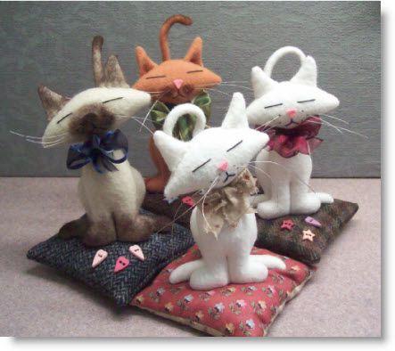 Free Project! Kitty Kat Pincushion pattern & instructions