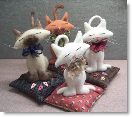 Free Project! Kitty Kat Pincushion pattern & instructions