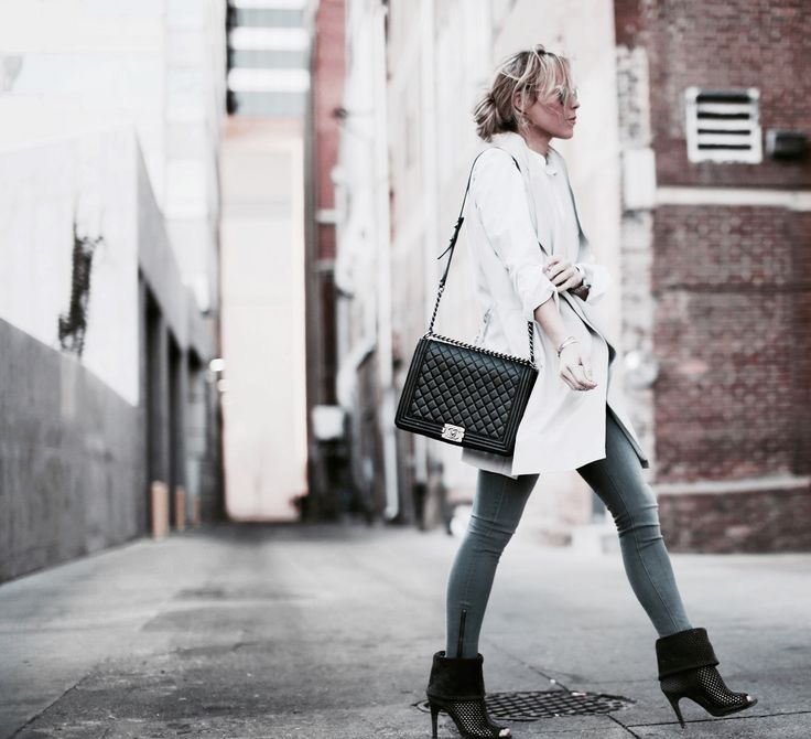 Happily Grey | White Butto Down, Trench Jeans, Ankle Boots, Chanel Boy Bag
