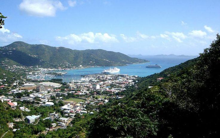 Виргинские острова. Их делят три территории: Британские Виргинские острова, Американские Виргинские острова и Испанские Виргинские острова. Испанские вообще мало кто знает, так как они относятся к Пуэрто-Рико. Виргинские острова прославились на весь мир своими офшорами. Это заслуга британской части, ее еще часто называют офшорной столицей мира, ведь здесь зарегистрировано до 40% офшорных компаний. ...