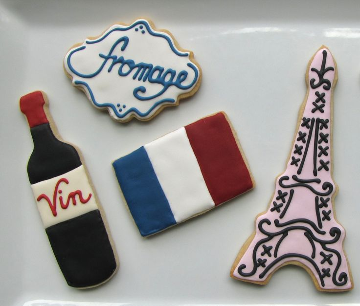 Cookie thème Paris, parfait pour un bal du 14 Juillet ! Vin, fromage et Tour Eiffel vous attendent. Vive la France ! French-themed Bastille Day Cookies