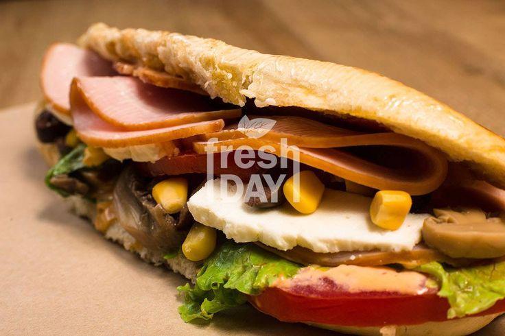 Συνδυάστε το καφεδάκι σας με ένα τοστάκι :) :)  Κερδίστε έκπτωση -10% μέσα από την σελίδα μας www.freshday.gr #freshday #pizza #Θεσσαλονίκη #Delivery
