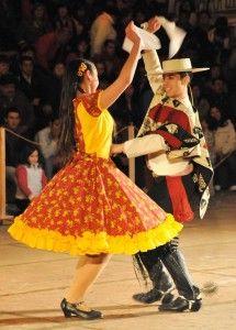 Cueca, baile nacional // Cueca, national dance
