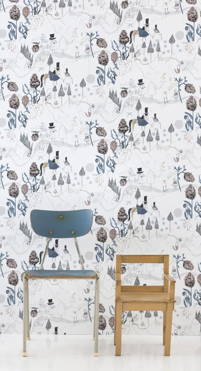 Ferm Living behangpapier - mountain friends    Ook op zoek naar mooi, origineel en kwalitatief behangpapier voor de kinderkamer?    Het behangpapier van Ferm living met speels motief brengt onmiddelijk een leuke sfeer in de slaap- of speelkamer van de kids. Leuk te combineren met andere spulletjes uit deze collectie zoals het bedlinnen en wandlampje. Een rol is 0,53 meter breed en bevat 10,05 meter Wallsmart vliesbehang.