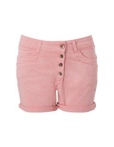 Roze bermuda in 5 pocket model. De short sluit koperkleurige knopen en is voorzien van riemlussen en zakken. De broekspijpen van de korte broek hebben een omslag. Gemaakt van soepele katoen stretch kwaliteit.  #zomercollectie #zomerkledingdames #zomerkleding