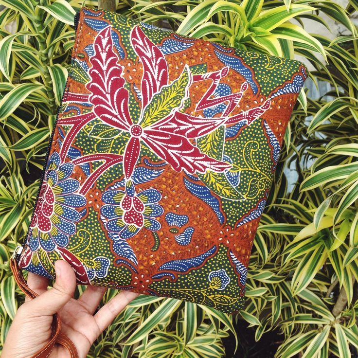 Uma Mini Batik Pouch combined with Tiga Negeri Batik Pattern        #djokdjabatik