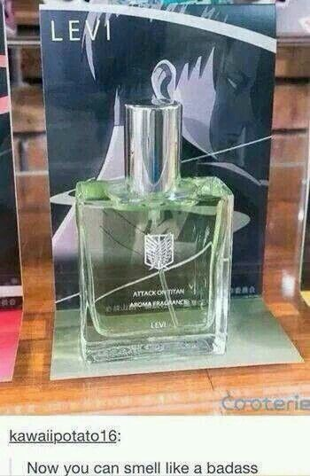 I wanna smell like Levi. Probably smells like lemons and detergent tho XD