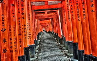 Explore Kyoto - Fushimi Inari from the famous movie Memoirs of a Geisha!