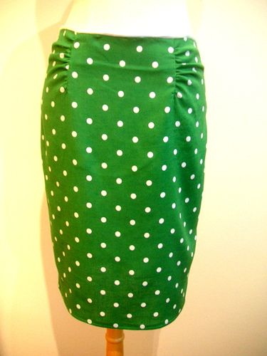 *TUTE* Who can resist polka dots - Pencil skirt w gathered waist darts PIC HEAVY - CLOTHING