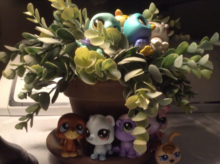 Pin By Mckenna Hope K On My Lps Planter Pots Planters Pot
