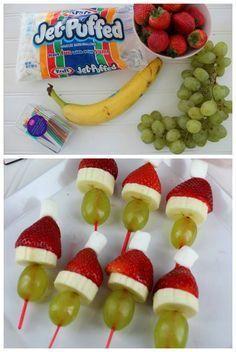 Para servir como postre de navidad no hay nada mejor que una brochette de frutas que sea al mismo tiempo una decoración perfecta para estas fiestas.