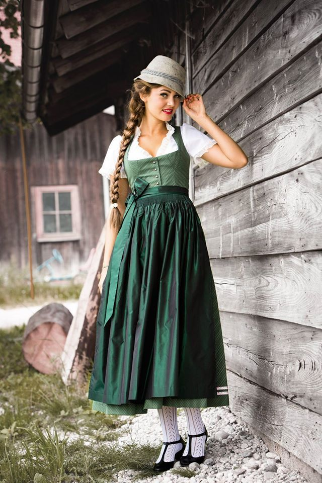 Dirndl Anna, Julia Trentini - love the cut of the blouse with the dirndl. Colors are great too