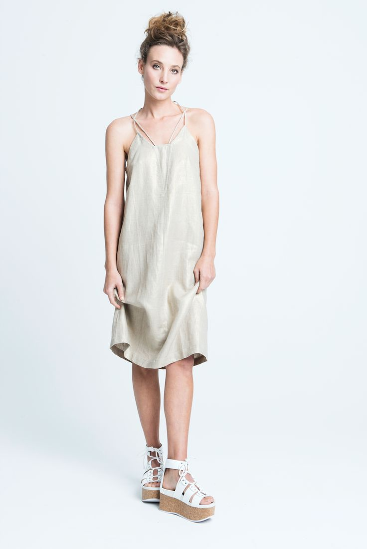 sara bailes x linen midi dress x gold