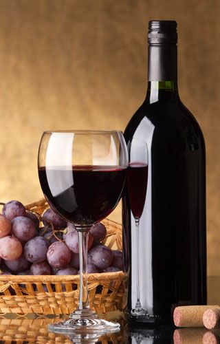Red Wine Bottle & glass Composition Photography #cBlack #cBrowns #grapes
