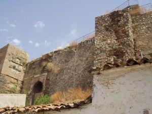 Castillo de Aroche. / Foto: juntadeandalucia.es.