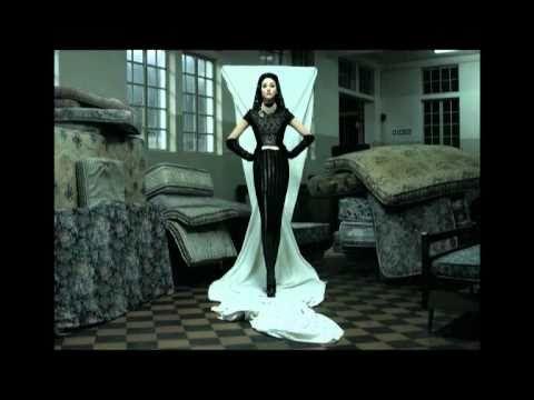 Caso de la marca Sr. Amor, un proyecto de JWT y el Ejército de Salvación. Sr. Amor es una colección de moda creada por prestigiosos diseñadores a partir de la intervención de ropa donada al Ejército de Salvación