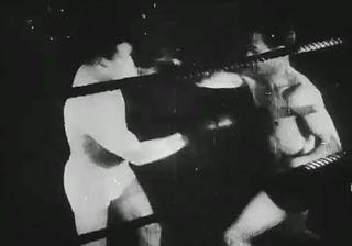 Combat de boxe by Charles Dekeukeleire