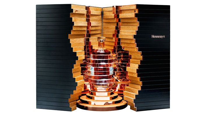 This new, specially designed Hennessy bottle by artist Arik Levy has been juggling up our mind! http://www.luxuryfacts.com/index.php/sections/article/4815