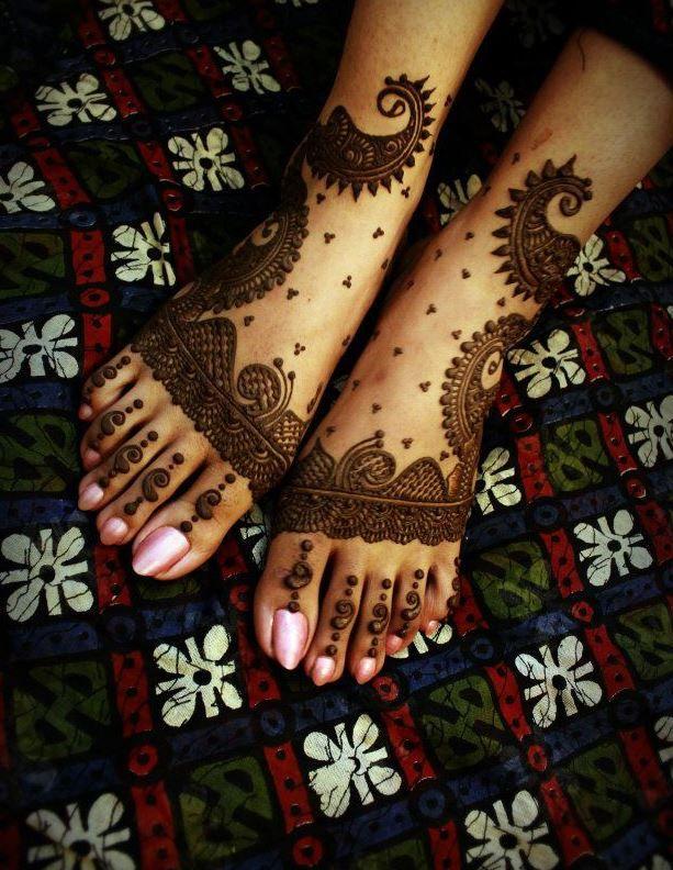 Creative leg mehndi design. #Henna #Mehndi #Design #Art #WomenTriangle