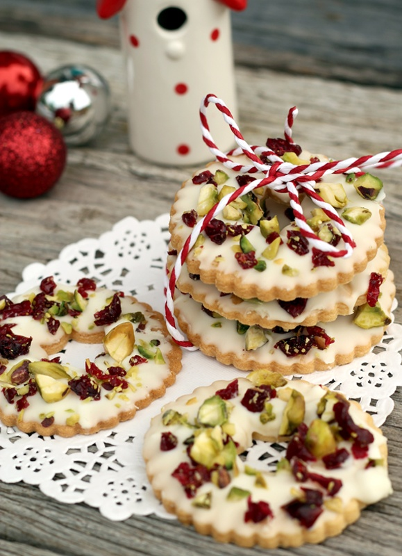 butter hearts sugar: White Chocolate, Pistachio and Cranberry Cookie Wreaths