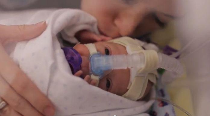 Filmpje: het eerste jaar van een te vroeg geboren baby'tje   Babyblog