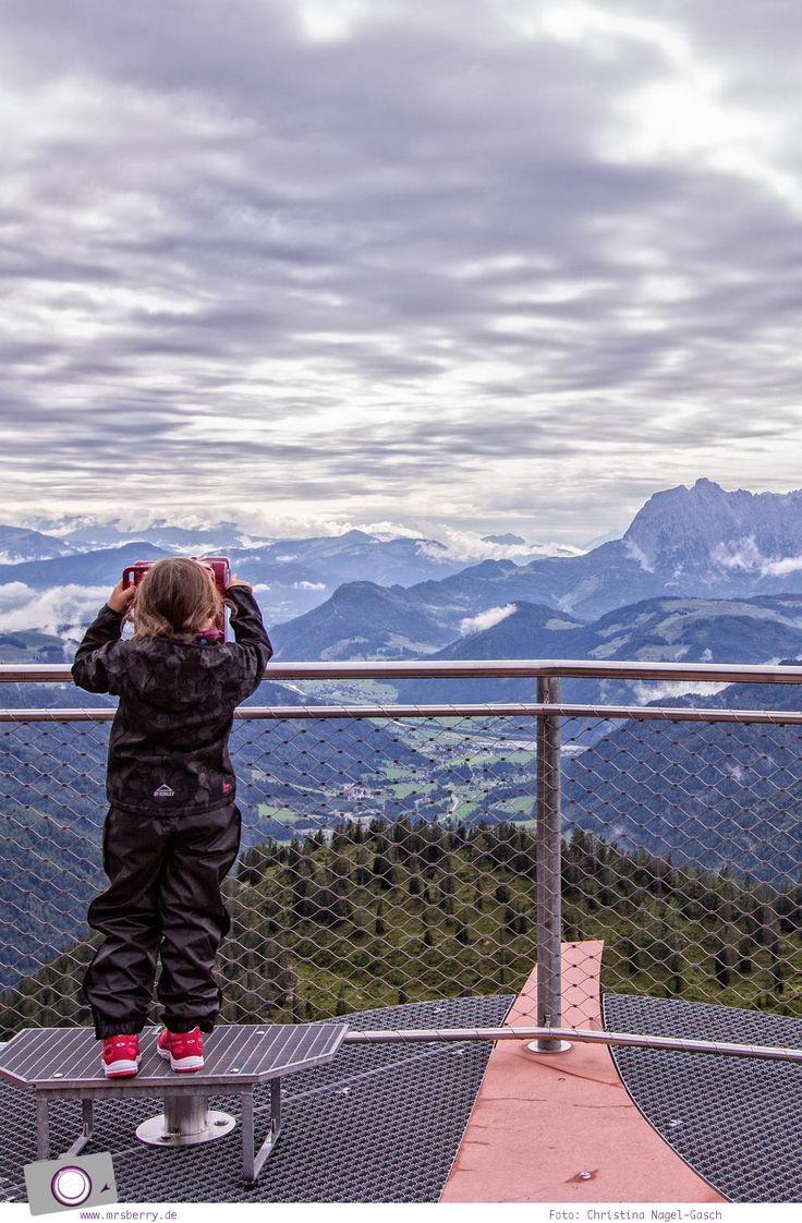 Urlaub mit Kindern im Pillerseetal in den Kitzbüheler Alpen.   Reisetipp für Urlaub als Familie   Der Triassic Park auf der Steinplatte Waidring im wunderschönen Pillerseetal (Österreich) ist ein Spielparadies für Kinder und ein absolut empfehlenswertes Ausflugsziel für Familien.