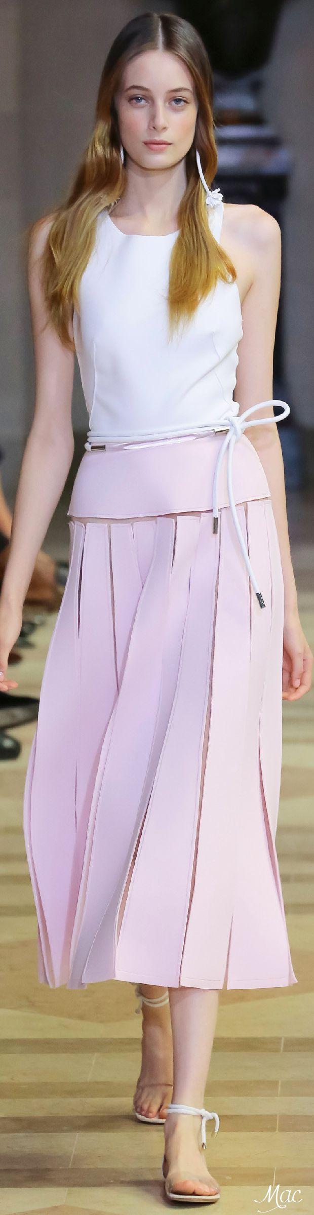 Spring 2016 Ready-to-Wear Carolina Herrera
