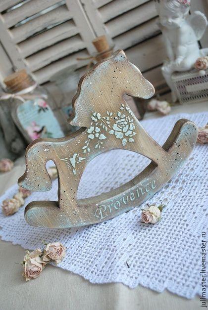 `Ветерок` лошадка - качалка. Лошадка качалка деревянная в стиле кантри (прованс). Очень нежная и легкая на вид. Видна структура дерева. Цвет - ореховый. Состарена слегка. Лошадь - символ наступающего нового года. Считается, что деревянная лошадка на…