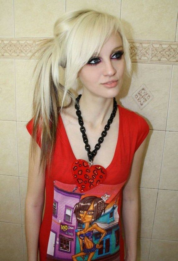 30 Deeply Emotional And Creative Emo Hairstyles For Girls Emo Hair Short Scene Hair Emo Girl Hairstyles