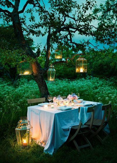 Just about a romantic as you can get.  Ah someday I may find that one and have these things.: Ideas, Garden Party, Wedding, Outdoor, Dinners, Gardens, Place, Light, Romantic Dinner