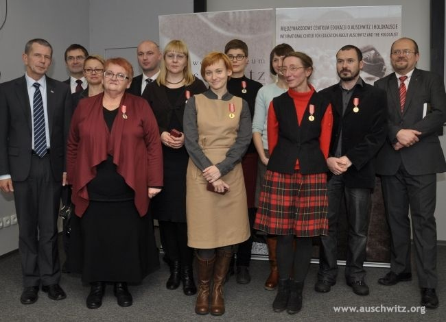 Guardian of National Memory Sites gold and silver medals were presented to employees of the Auschwitz-Birkenau State Museum on December 11. The ceremony was presided over by Professor Andrzej Kunert, secretary of the Council for the Protection of Memory of Combat and Martyrdom (ROPWiM).