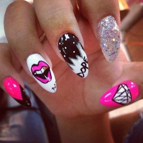 Design. Pink. Black. White. Nails.