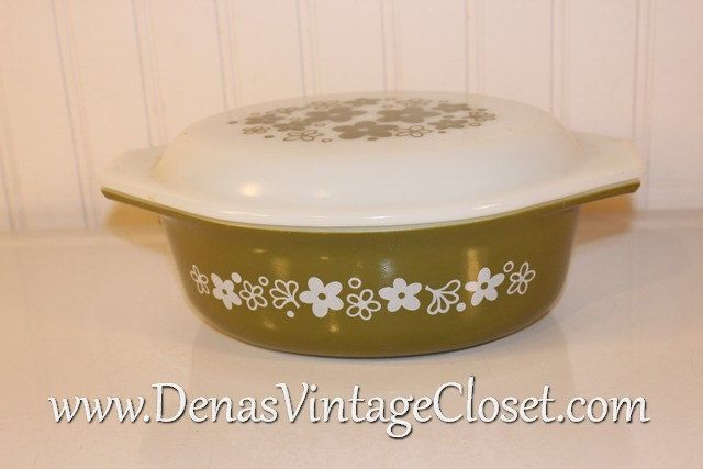 Vintage Green Spring Blossom Crazy Daisy Pyrex Casserole Dish 1 1/2 Quart with Glass Lid 5 Covered Baking Dish Greem Pyrex