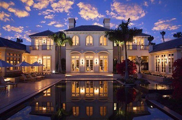 #villa #very_luxury_world #money #biutifull #baby #ray #travel #богатство #бериотжизнивсе #мотивация #миллионер #деньги #beach #бикини #домикуморя http://tipsrazzi.com/ipost/1500311423237190959/?code=BTSLUpag3Uv