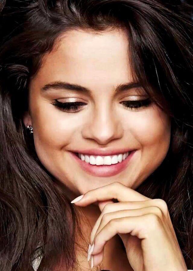 Selena Gomez http://celevs.com/the-10-sexiest-photos-of-selena-gomez/