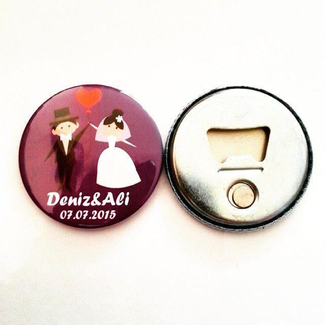 Hem magnet hem açacak hemde düğün hediyesi :) ♥♥ #rozettasarım #rozet #rozettasarim #iğnelirozet #metalrozet #magnetrozetler #magnet #magnetrozet #ögretmen #öğrenci #okul #okulöncesi #okuma #okumayazma #tören #tanıtım #renk #desen #tasarım #ankara #istanbul #doğumgünü #damat #gelin #dolapiçin #dolapsüsü #düğün #nikah #nikahşeker