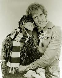 Rod Hull and his Emu (It's 1973, do you know where the Hudson Brothers are?)