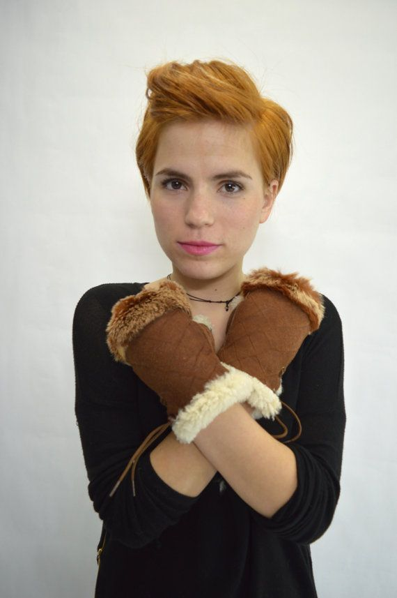 Real fur gloves. Genuine shearling fingerless fur gloves by BeFur