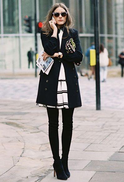 Girly e sofisticada, combinando saia xadrez abertinha + casaco clean _ bota over the knee
