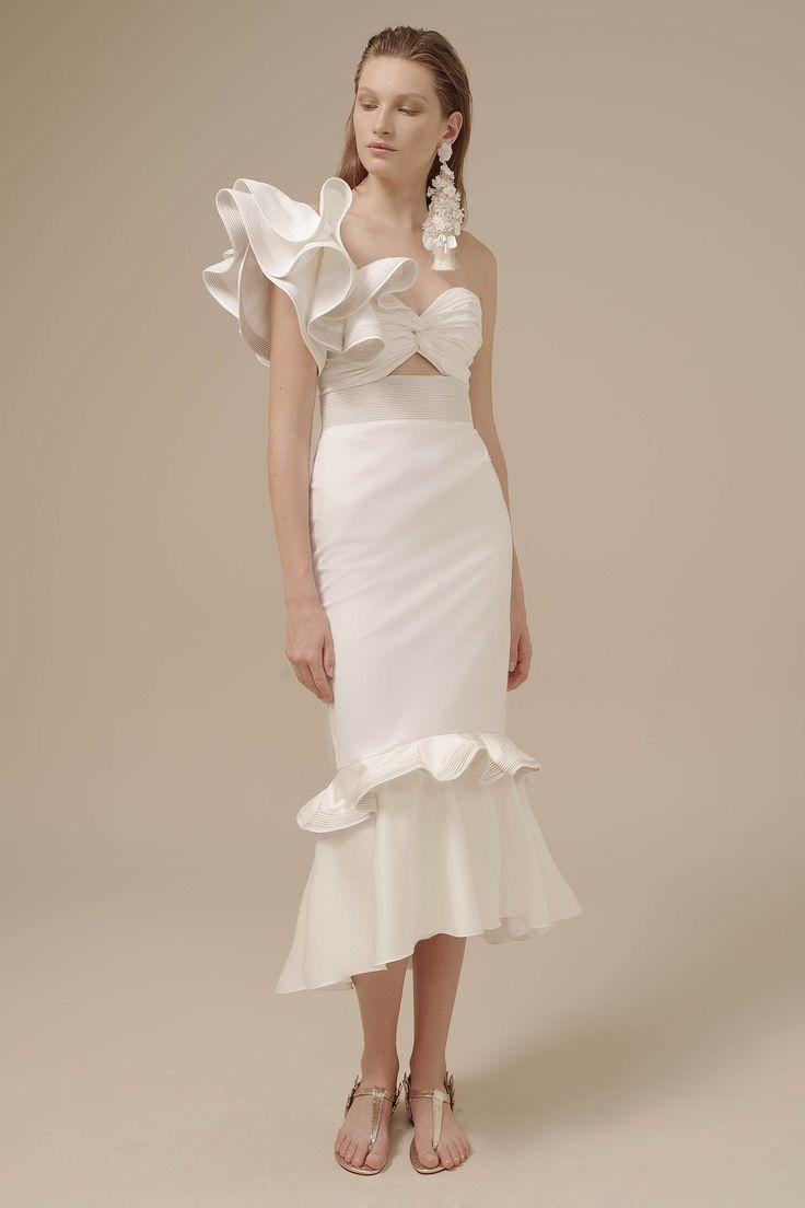 Johanna Ortiz Spring 2017 Ready-to-Wear Collection Photos - Vogue