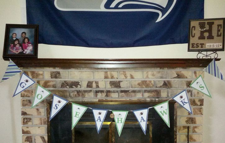 Print off these FREE Seahawks Game Day Party Printables for the big game! We have 2 party planning printables (shopping list & game day planner) plus a whole set of party planning decor printables.