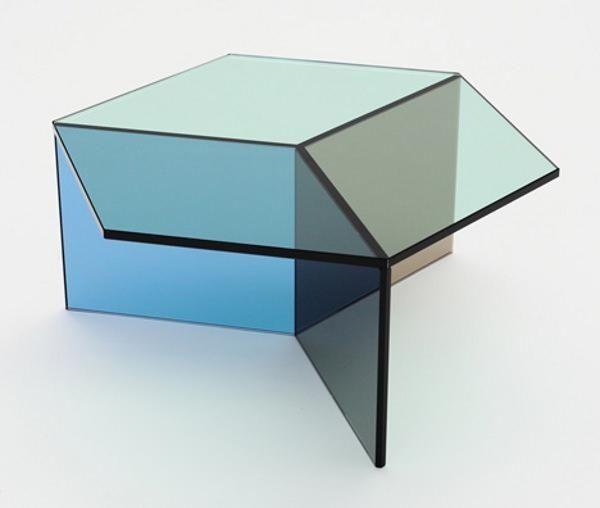 der glas beistelltisch isom reizvolles design von sebastian scherer