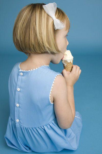 coiffure enfant coupe au carré fillette - EN IMAGES. 35 idées de coupes et coiffures pour enfants - L'EXPRESS