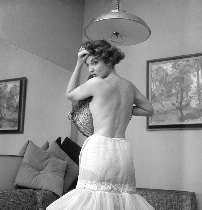 image Authentic vintage porn 1950s shaved pussy voyeur fuck